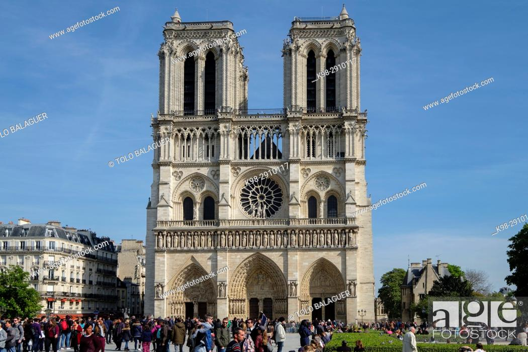 Stock Photo: Western facade, Notre Dame Cathedral, Paris, France.