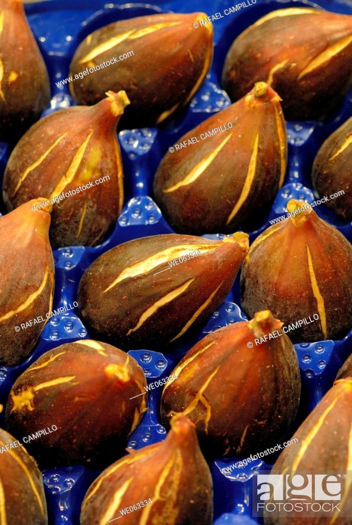 Stock Photo: Figs at La Boqueria market, Barcelona. Catalonia, Spain.