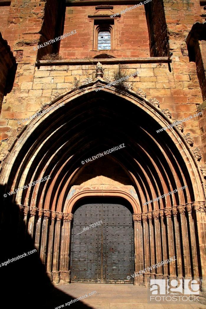 Stock Photo: Ex-collegiate church of Santa Maria (15th century), Rubielos de Mora, Teruel province, Spain.