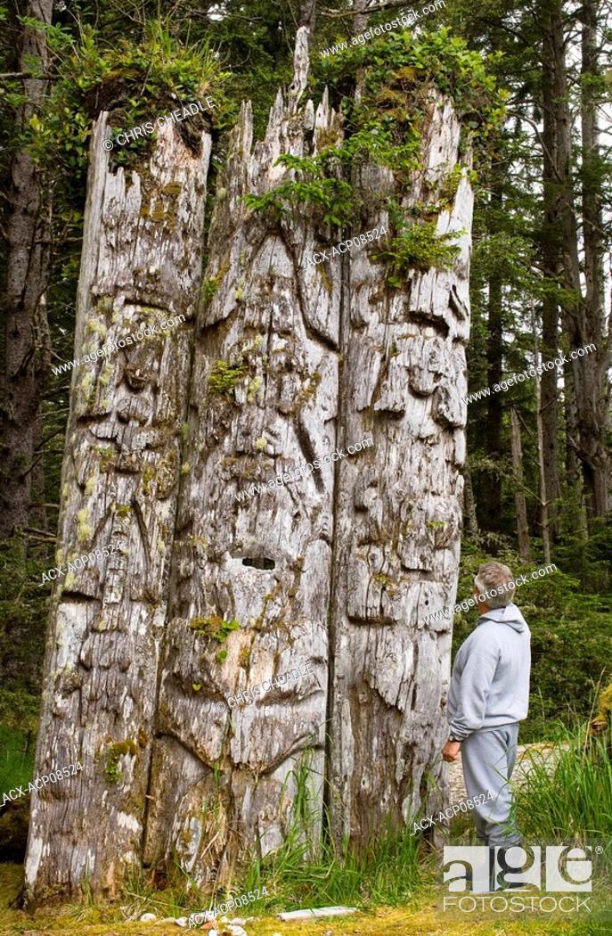 Stock Photo: Kiusta Village, triple mortuary totem poles of Chief Edenshaw near Langara Island, Queen Charlotte Islands, British Columbia, Canada.