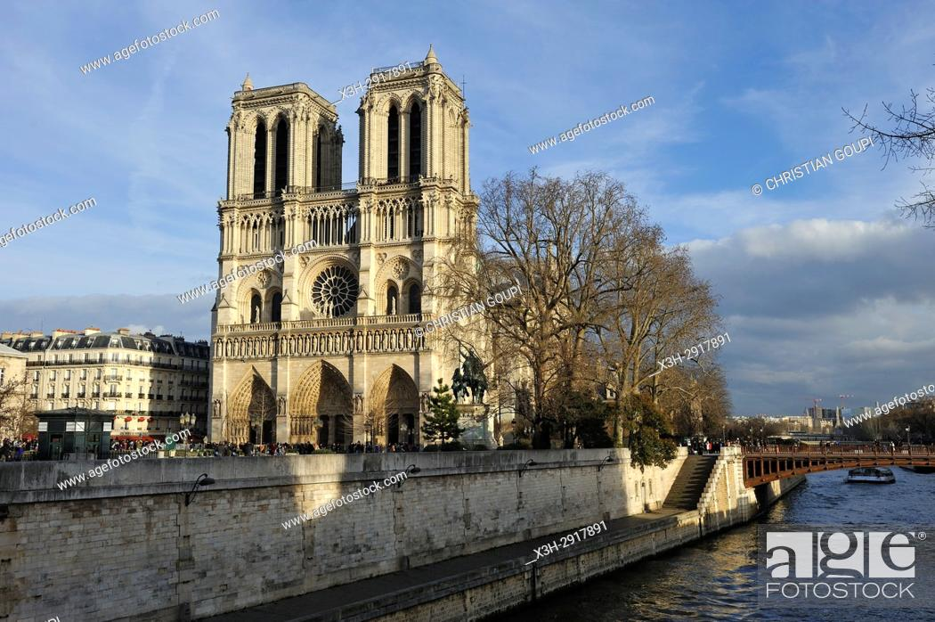 Stock Photo: Notre-Dame Cathedral and Seine River, Paris, France, Europe.