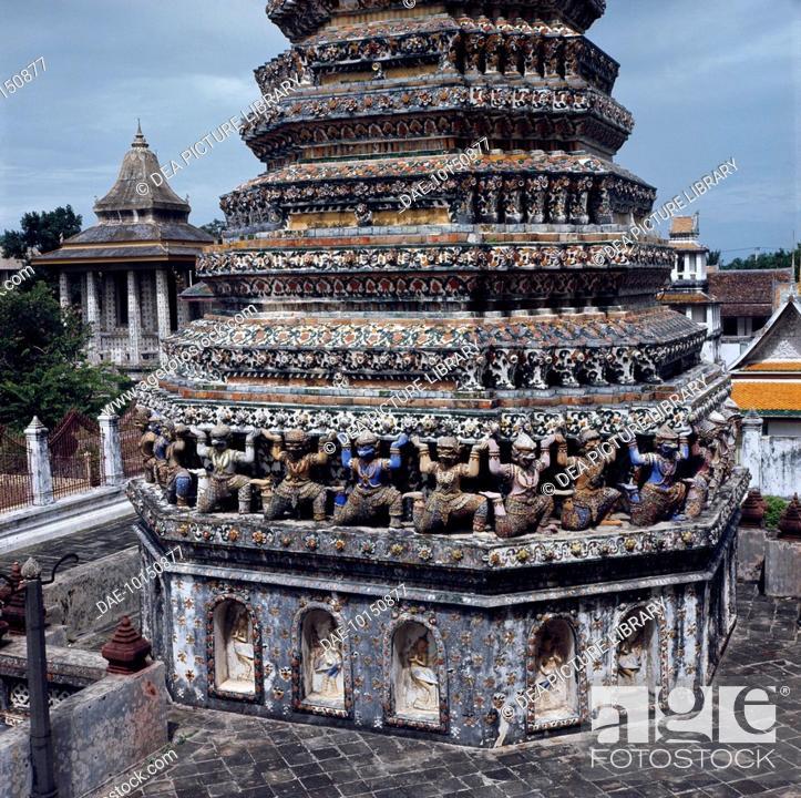 Stock Photo: Wat Arun Tower or Temple of Dawn, Bangkok, Thailand. 14th-18th centuries.