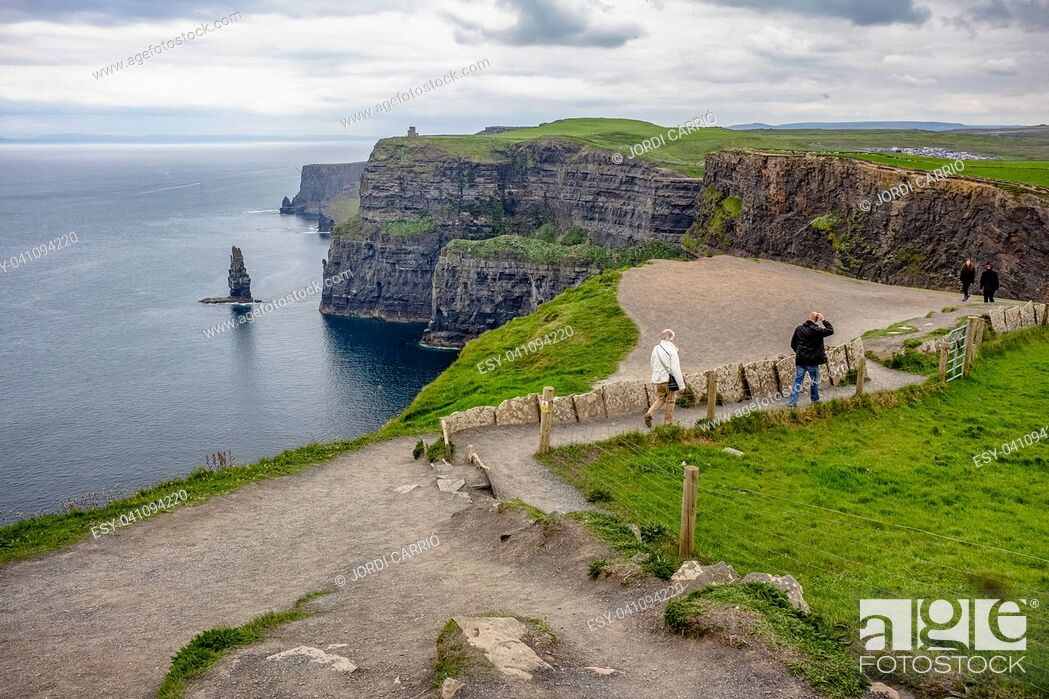 Stock Photo: Path of the southern area of â. ‹â. ‹the cliffs.