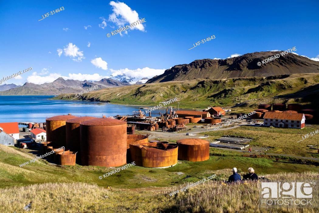 Imagen: Former whaler station Grytviken, King Edward Cove, South Georgia, South Sandwich Islands, British overseas territory, Subantarctic, Antarctica.