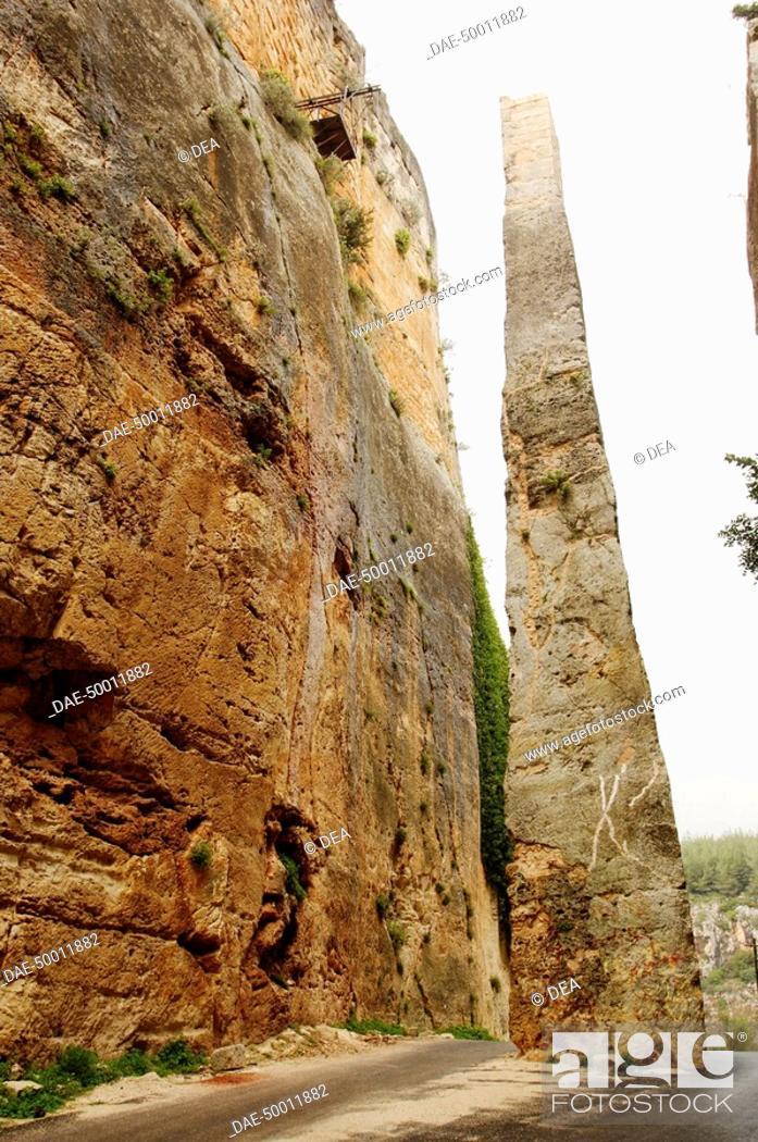 Stock Photo: Syria - Latakia. Fortress of Saladin 'Qal'at Salah El-Din'. UNESCO World Heritage List, 2006. Monolith.