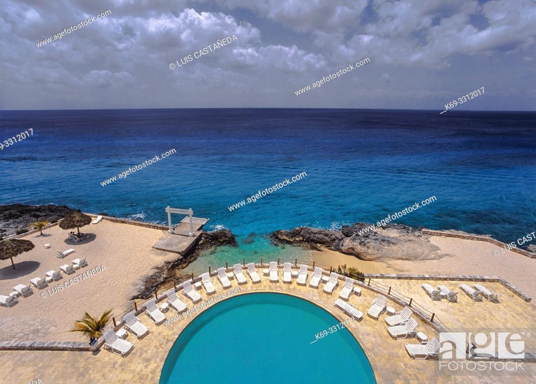 Stock Photo: Hotel Swimming Pool. Cozumel. (Yucatán) Mexico.