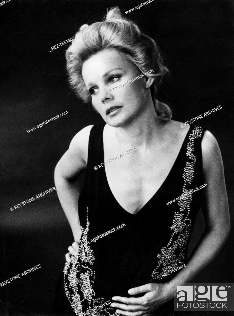 Carroll Baker In Lucy Crown 1970s American Actress Carroll Baker