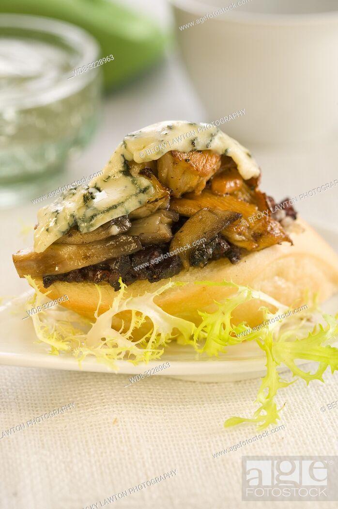 Stock Photo: Montadito de morcilla, setas, queso roquefort, pasas y pinones.