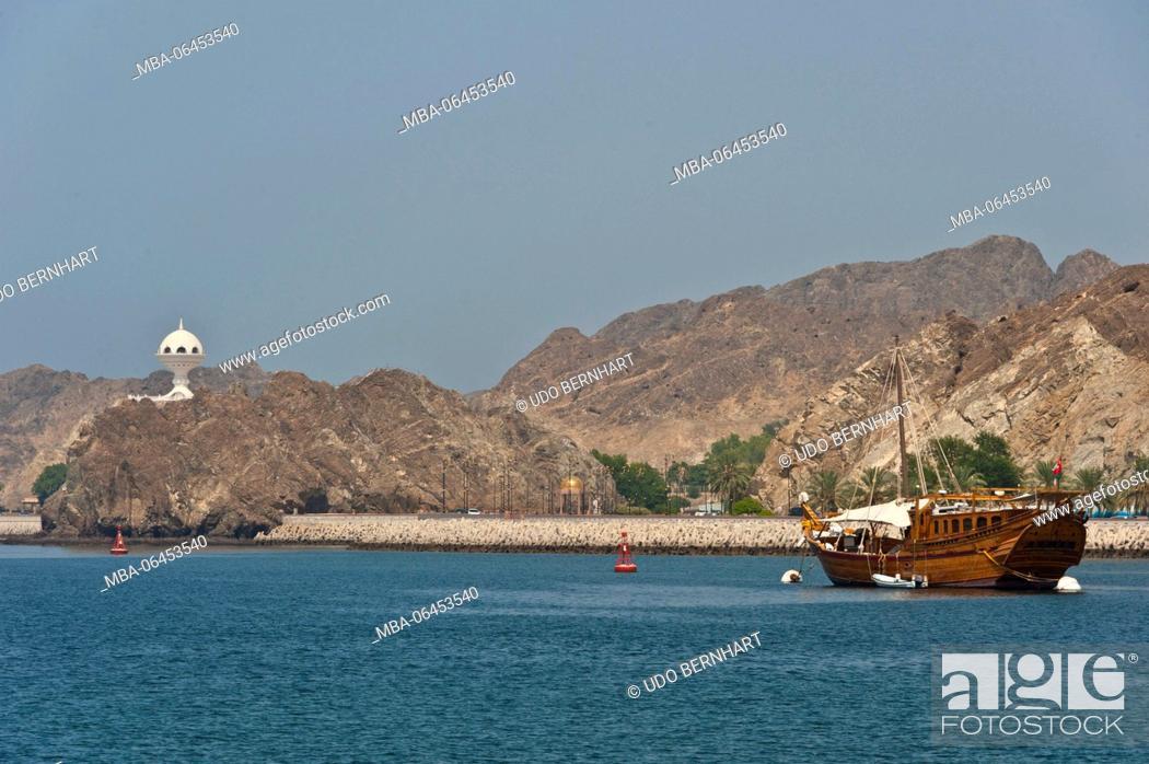 Stock Photo: Arabia, Arabian peninsula, Sultanate of Oman, Muscat, Kalbuh park, coast, sea, sailing ship.