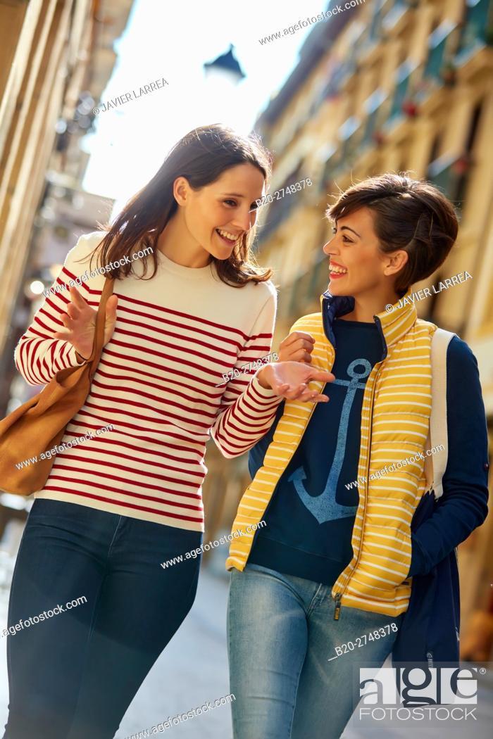 Stock Photo: Couple, Parte Vieja, Old town, Donostia, San Sebastian, Gipuzkoa, Basque Country, Spain, Europe.