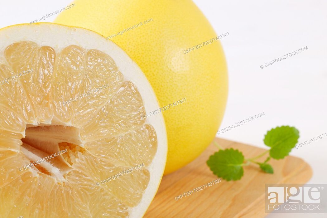 Images Of Ripe Pomelo