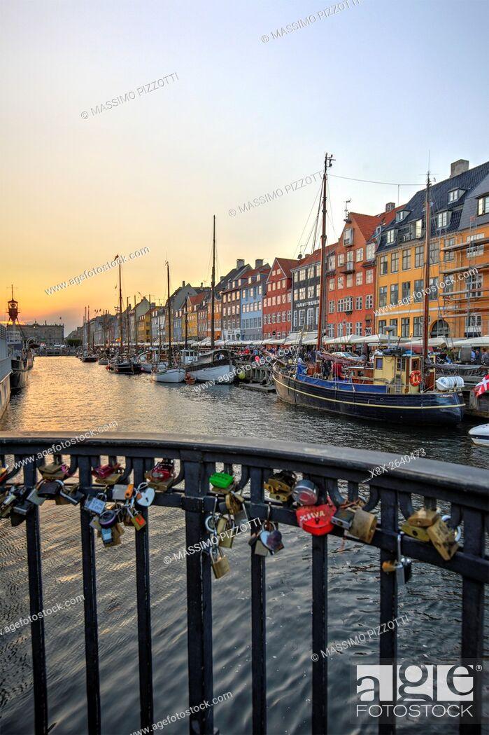 Imagen: Nyhavn canal in Copenhagen, Denmark.