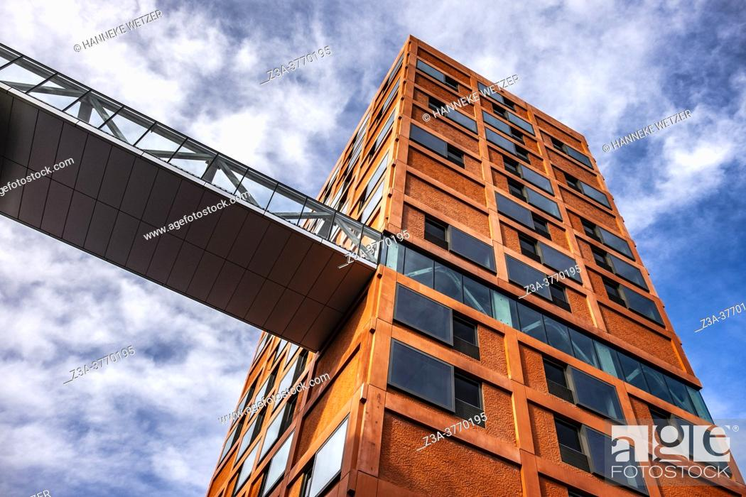 Imagen: Newly built modern architecture at Strijp-S, Eindhoven, The Netherlands, Europe.