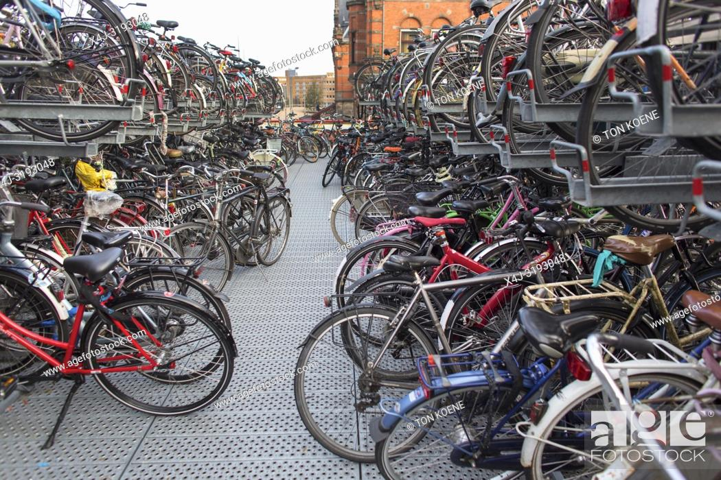 Photo de stock: Bicycle parking in Groningen central train station.