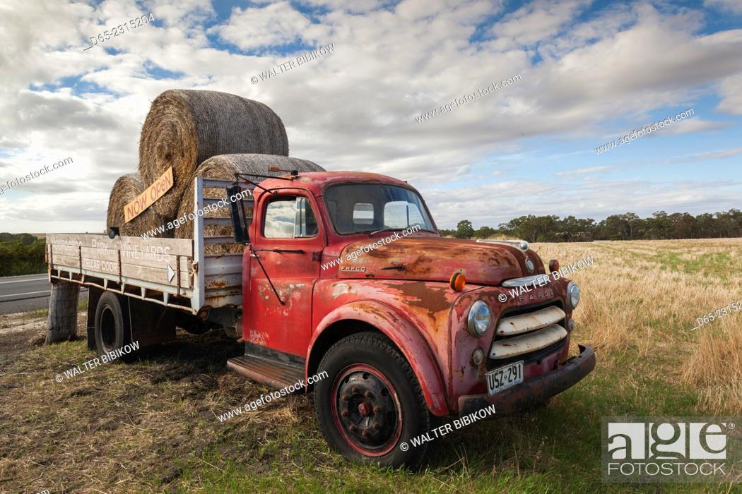 Stock Photo: Australia, South Australia, Barossa Valley, Rowland Flat, Moorooroo Park Winery, truck sign.