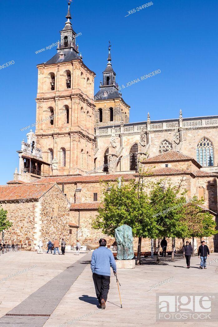 Imagen: Cathedal of Santa Maria in Astorga, Way of St. James, Leon, Spain.