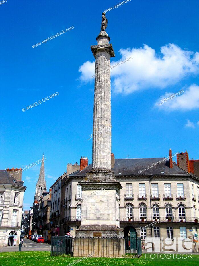 Stock Photo: France, Loire Atlantique, Nantes, place du Maréchal Foch, statue of Louis XVI on a column. .