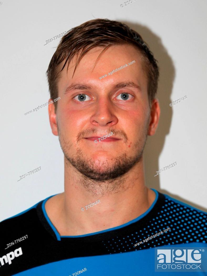 ce36150058 Stock Photo - Fabian Böhm (HBW Balingen-Weilstetten) beim DKB  Handball-Bundesligaspiel SC Magdeburg gegen HBW Balingen-Weilstetten am  13.09.2015 in der ...
