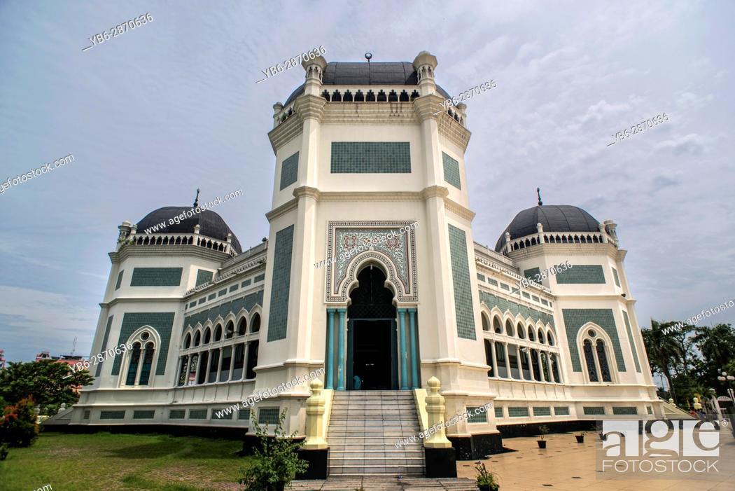 Stock Photo: The Grand Mosque in Medan, Sumatra, Indonesia.