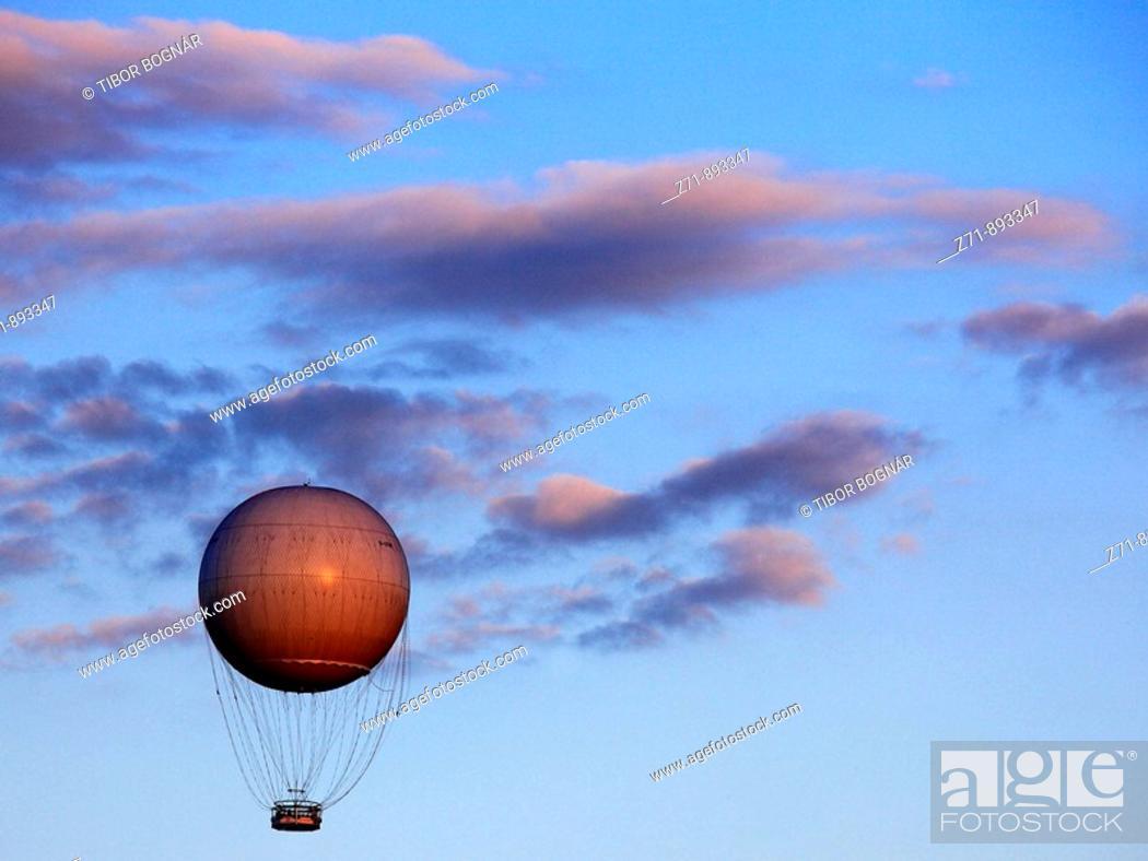 Stock Photo: Poland, Krakow, sightseeing balloon.