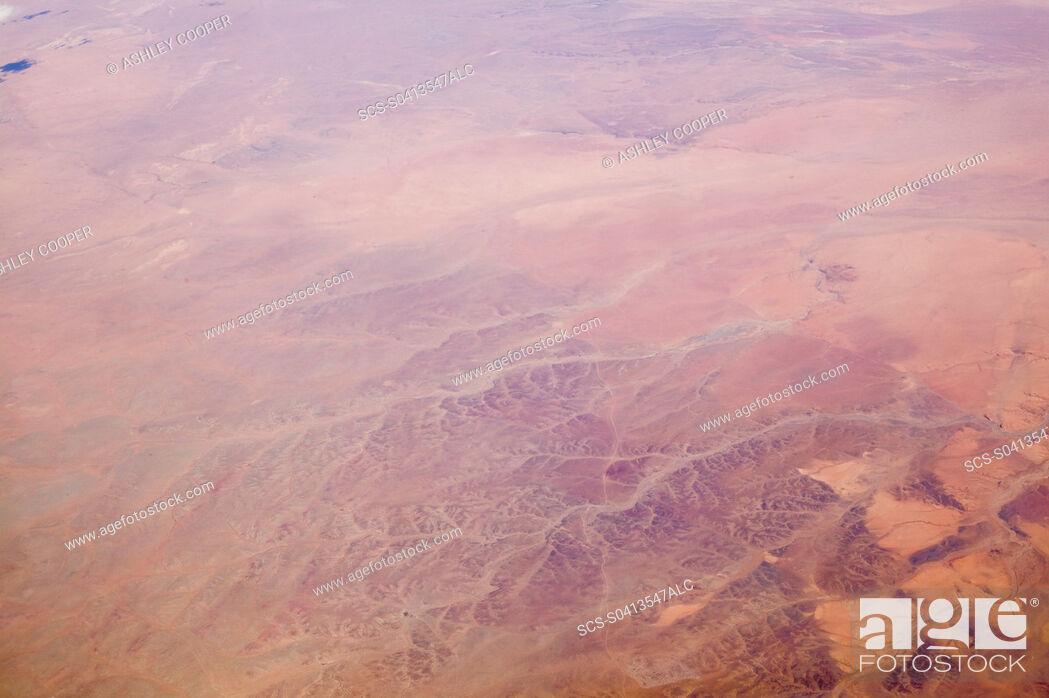 Imagen: The Gobi desert from the air.