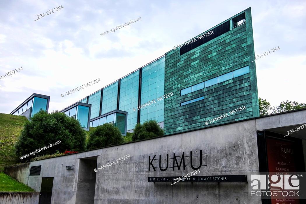 Imagen: KUMU, art museum in the Kadriorg park of Tallinn, Estonia, Europe.