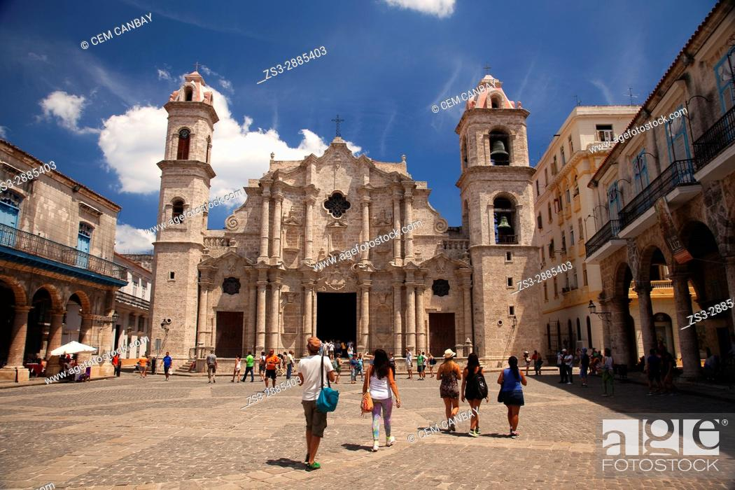 Stock Photo: View to the the Cathedral Square- Plaza de la Catedral in Old Havana- Havana Vieja, La Habana, Cuba, West Indies, Central America.