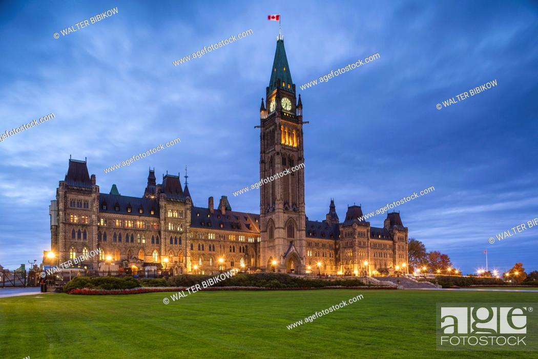 Stock Photo: Canada, Ontario, Ottowa, capital of Canada, Canadian Parliament Building, dusk.