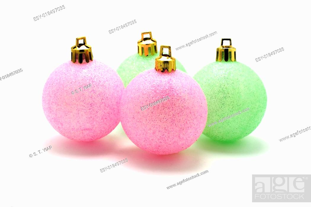 Imagen: Christmas ornaments with dropout background.