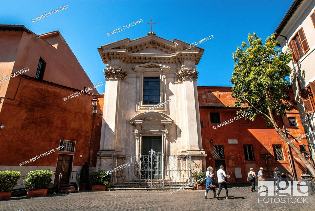 Imagen: People walking in front of Chiesa di Sant'Egidio, St. Egidio Church, Piazza Sant'Egidio, in Trastevere, Rome, Italy.