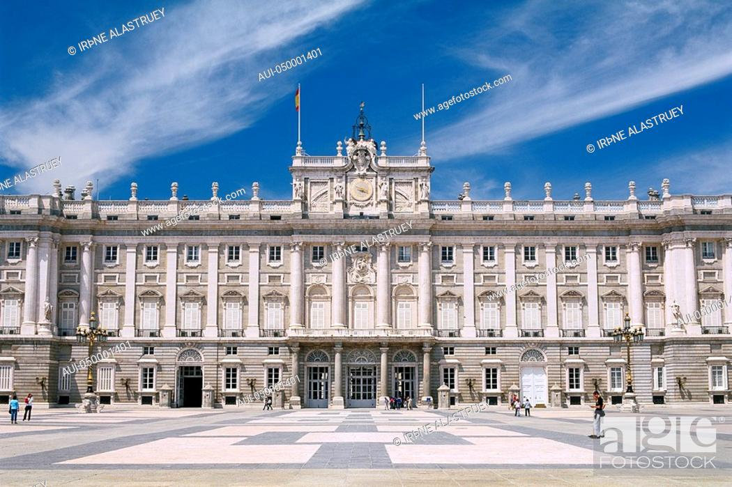Stock Photo: Spain - Madrid - the Palacio Real - Royal Palace - view from The Plaza de la ArmerÝa.