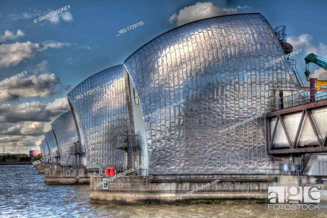 london thames flood barrier