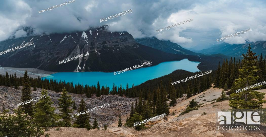 Stock Photo: Scenic landscape with Peyto Lake and mountains of Canadian Rockies,BanffNational Park, Alberta, Canada.