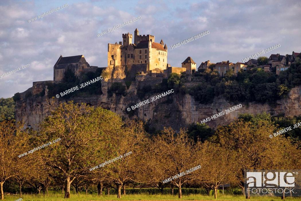 Stock Photo: France, Dordogne, Perigord Noir, Dordogne Valley, Beynac et Cazenac, labelled Les Plus Beaux Villages de France (The Most Beautiful Villages of France).