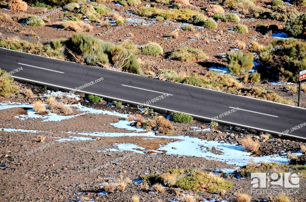 Imagen: Aerial View of an Asphalt Road.