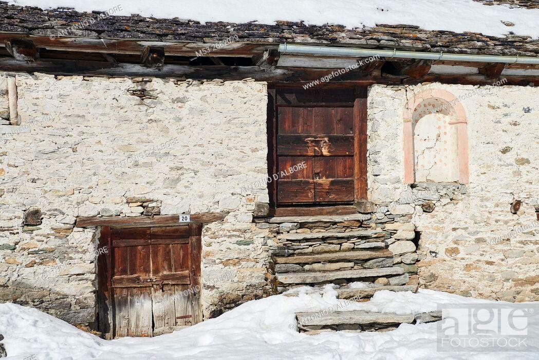 Stock Photo: A mountain hut in the village of Crampiolo. Baceno Municipality. Province of Verbano-Cusio-Ossola. Piemonte. Italy.