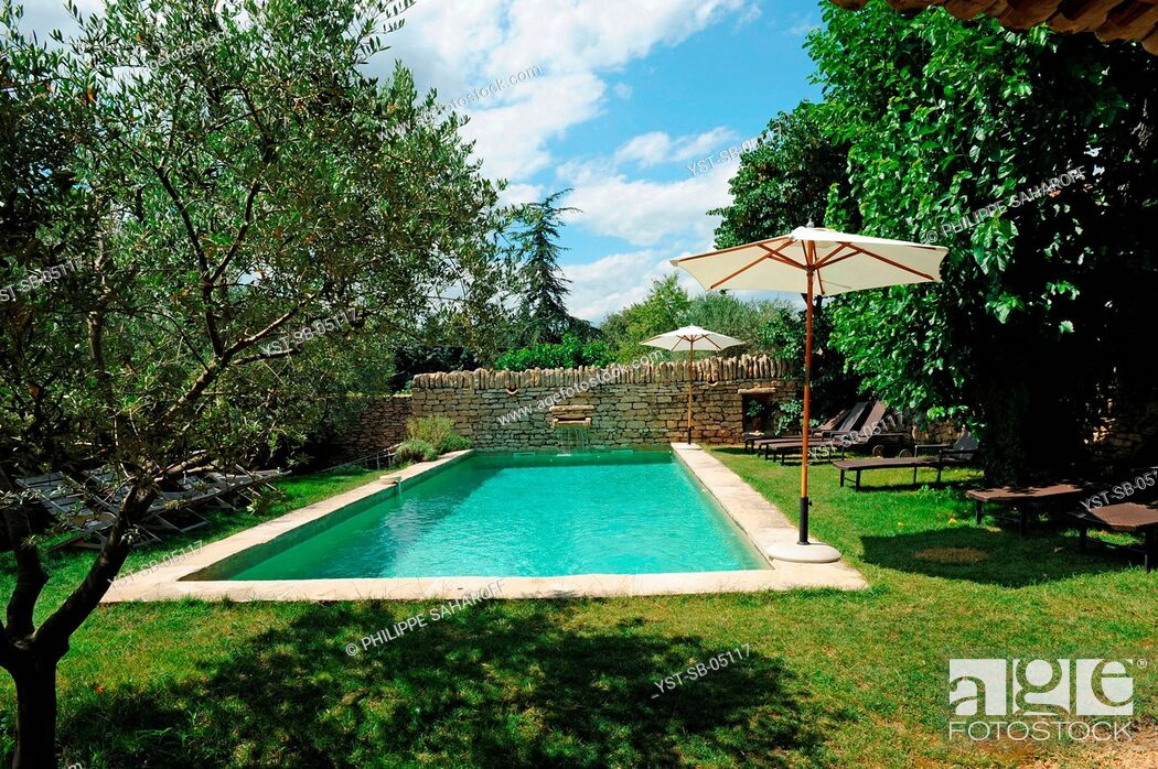 Photo de stock: Old oil mill, hotel, bed and breakfast, Provence, France.