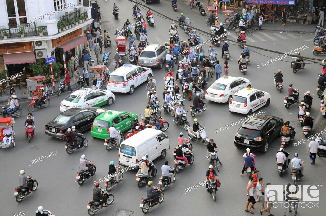 Imagen: Road traffic, Hanoi, Vietnam, Southeast Asia.