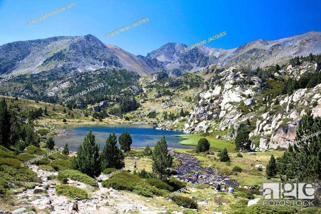 Stock Photo: France, Pyrenees Orientales, Capcir region, Parc Naturel Regional des Pyrenees Catalanes (Natural Regional Park of Pyrenees Catalanes), The Carlit pic.