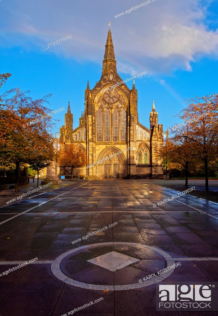 Stock Photo: UK, Scotland, Lowlands, Glasgow, View of the The Cathedral of Saint Mungo.