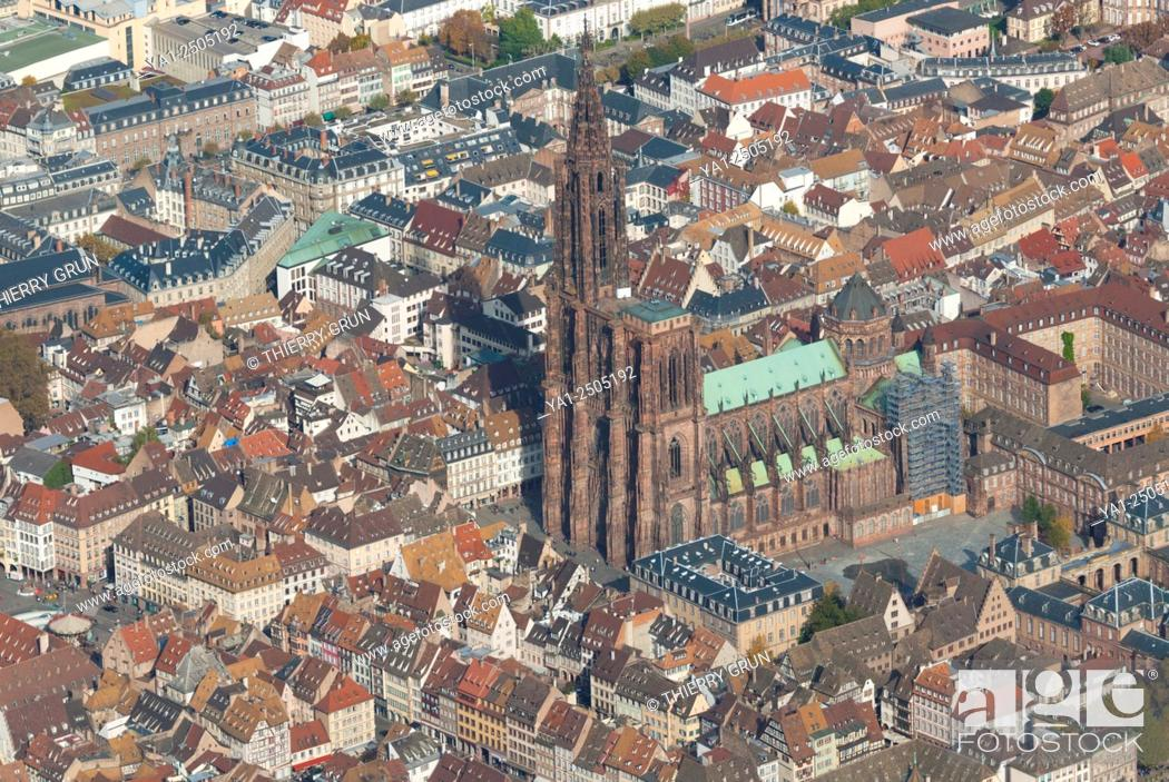 Stock Photo: France, Bas Rhin 67, Strasbourg town, historic centre with cathedral aerial view.