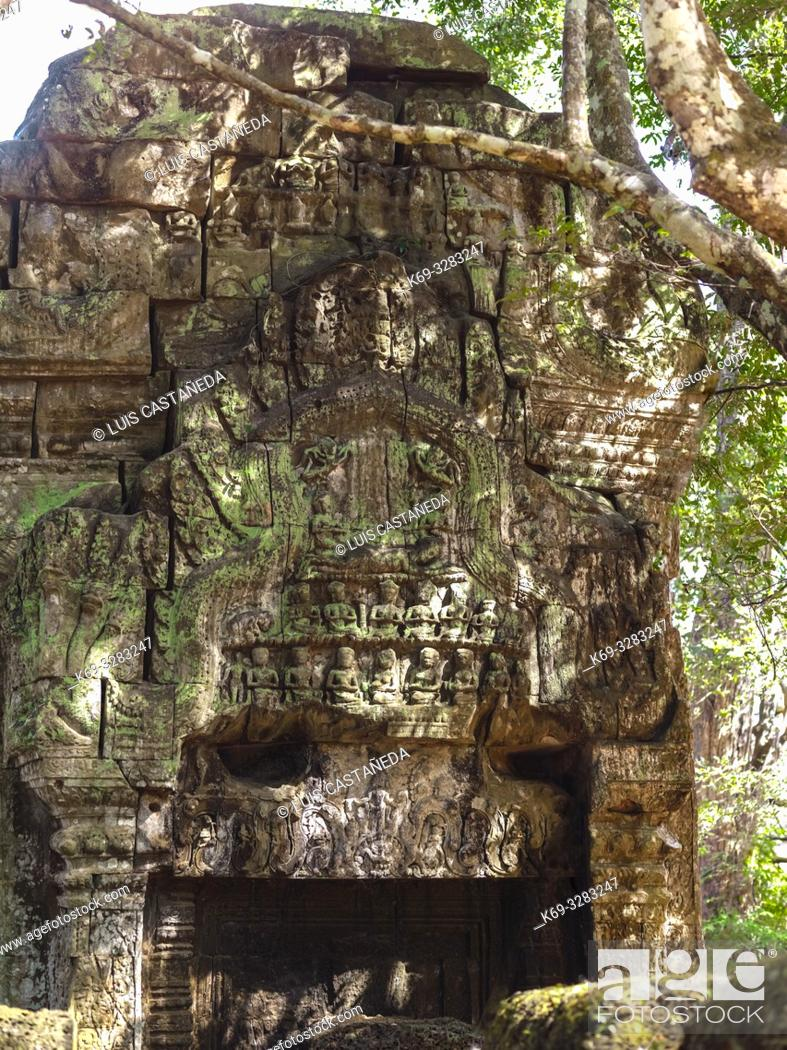 Stock Photo: Temple Ruins. Ta Prohm. Angkor Archaeological Park. Siem Reap. Cambodia.