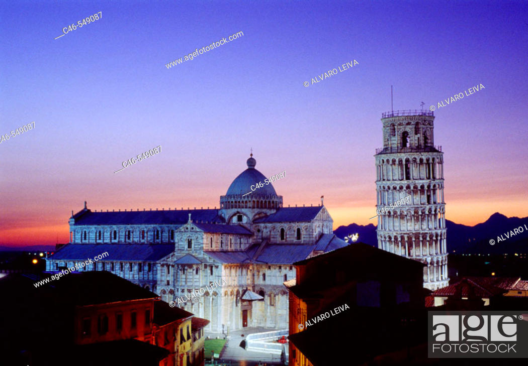 Stock Photo: Duomo and leaning tower, Pisa. Tuscany, Italy.