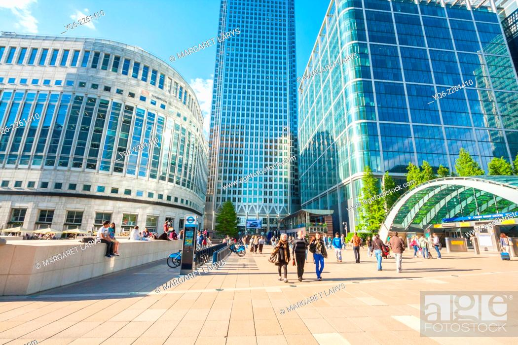 Stock Photo: Modern architecture, Canary Warf, Docklands, London, England.