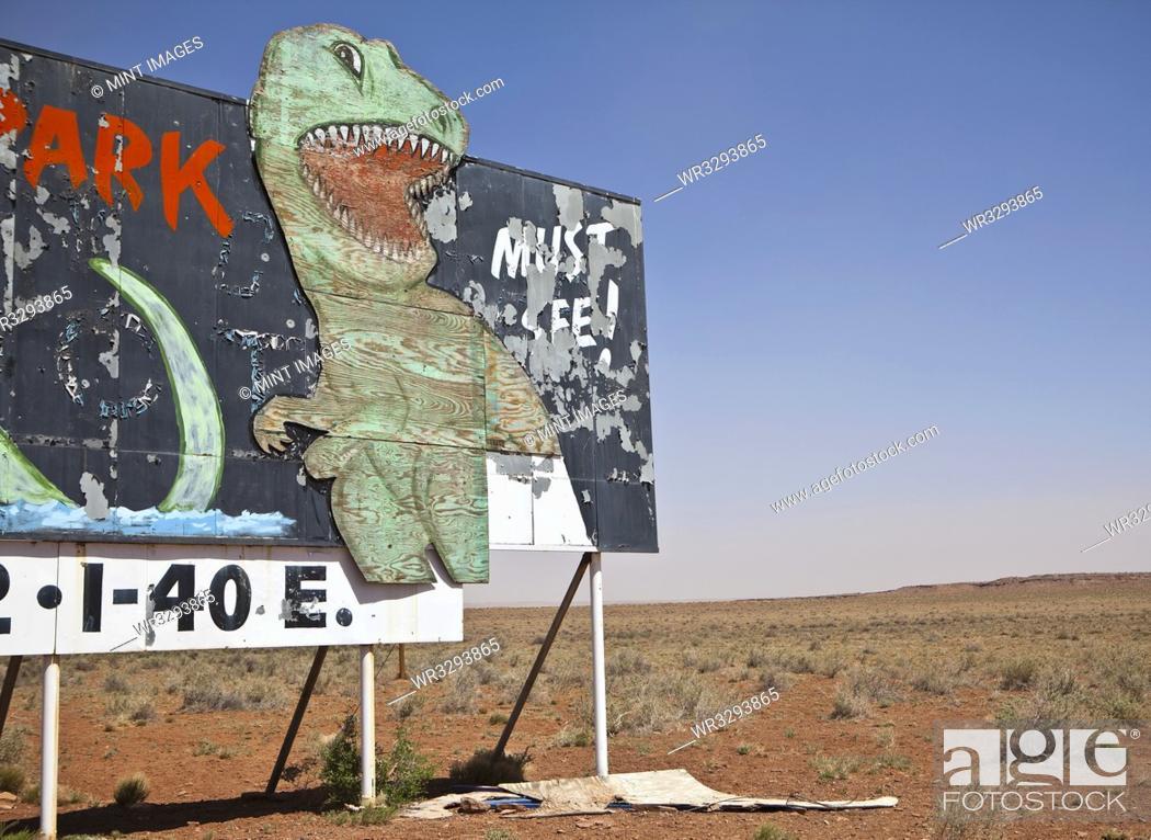 Imagen: Dinosaur Attraction Billboard.