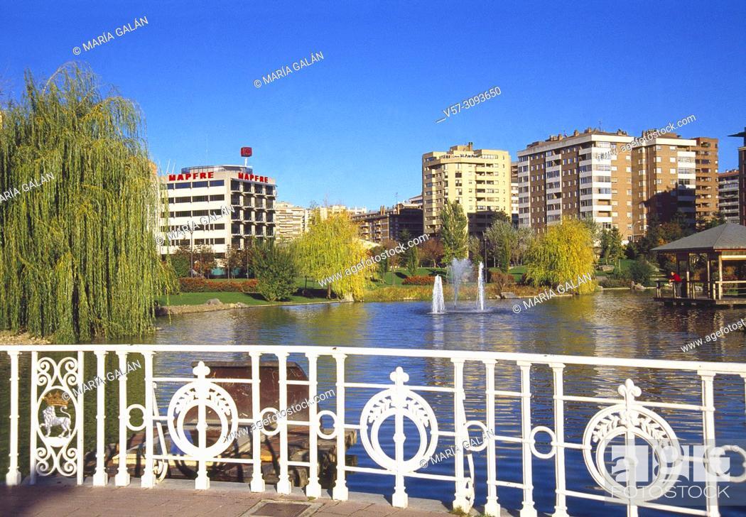 Stock Photo: Yamaguchi park. Pamplona, Spain.