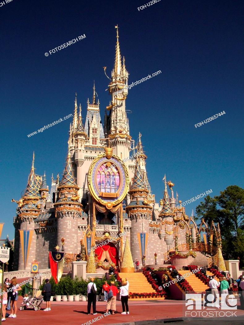 Cinderella Castle Christmas.Orlando Fl Florida Walt Disney World Resort Magic