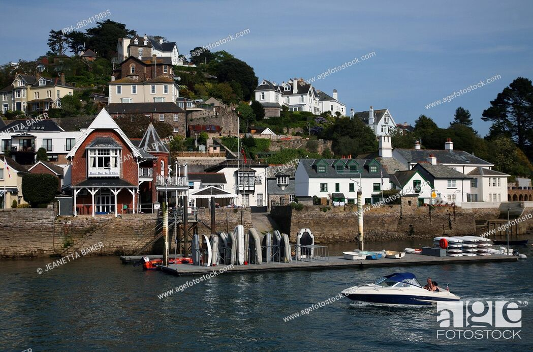 Imagen: England Devon Dartmouth A view of Kingswear which is situated on the opposite side of the river to Dartmouth.