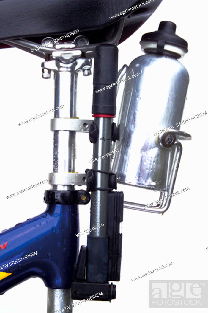 Stock Photo: Bike close-up, water bottle, bycycle pump.