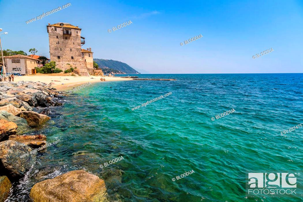 Imagen: Ouranoupolis tower in Chalkidiki, Greece in a summer day.